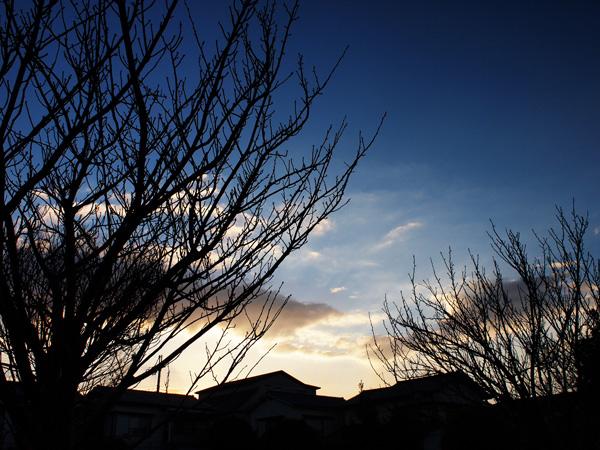 12月6日(木)の朝7時45分頃の近所の空